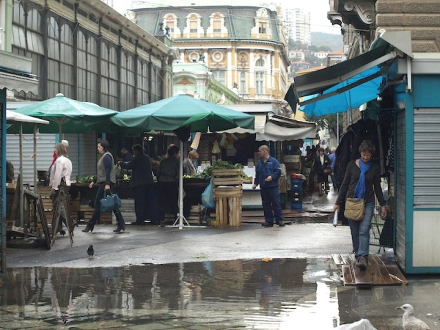 As the boardwalks suggest, flooding of the market is a common occurrence.