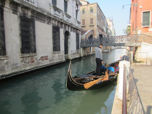 Gondola in waiting.