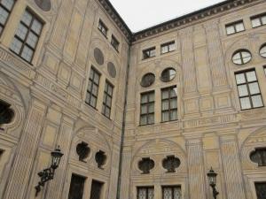 29 patterned building