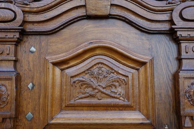 20 church door detail