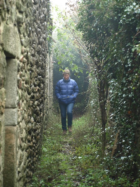 Bev in a back lane of St Jean-du-Gard.