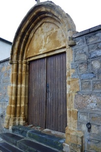 Portal in the church wall.