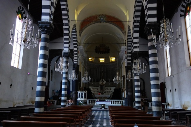 Even inside the church stripes are the go.
