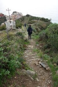 Down the steep path to Manarola.