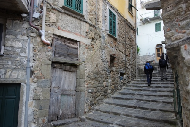 Setting off on the walk from Corniglia to Vernazza