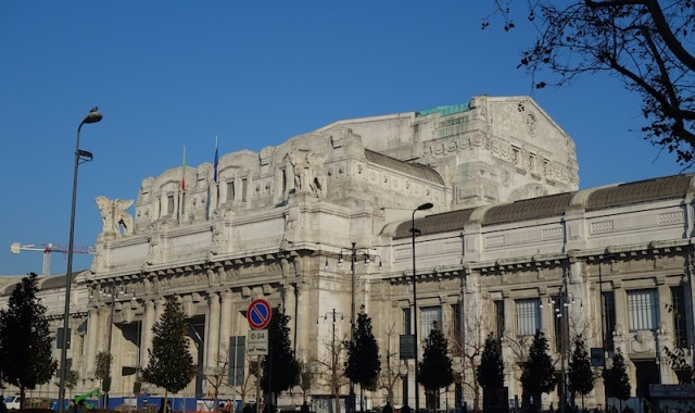 The 'blot' is described as Roman Eclectic Liberty (art nouveau) style architecture.