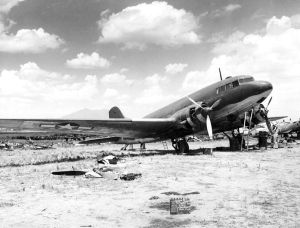 Douglas DC-3, the type of aircraft in which Aleko flew from Athens to Sydney.