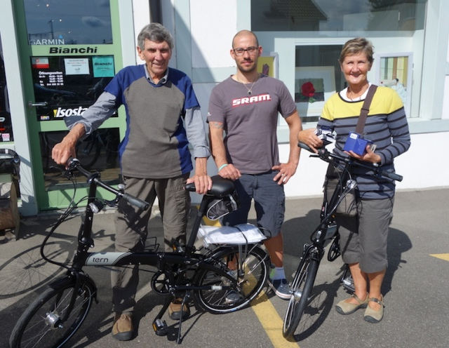 Alessandro handing over the new foldups. Bev is holding two spare inner tubes. Let's hope we don't need them.