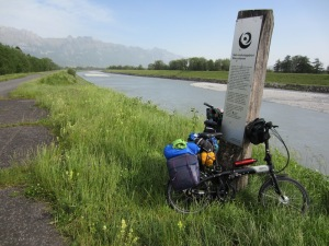 Cycleway along the Rhine Damm (levee).  The sign promoted Rhine conservation.