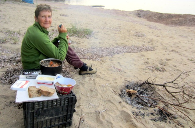 Breakfast on the beach with campfire, though not much decent wood around.