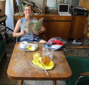 Morning tea at Bajkazyl.  Retro things everywhere.