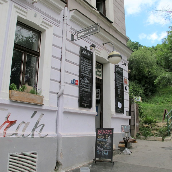 (5). Bajkazyl café/bike shop.