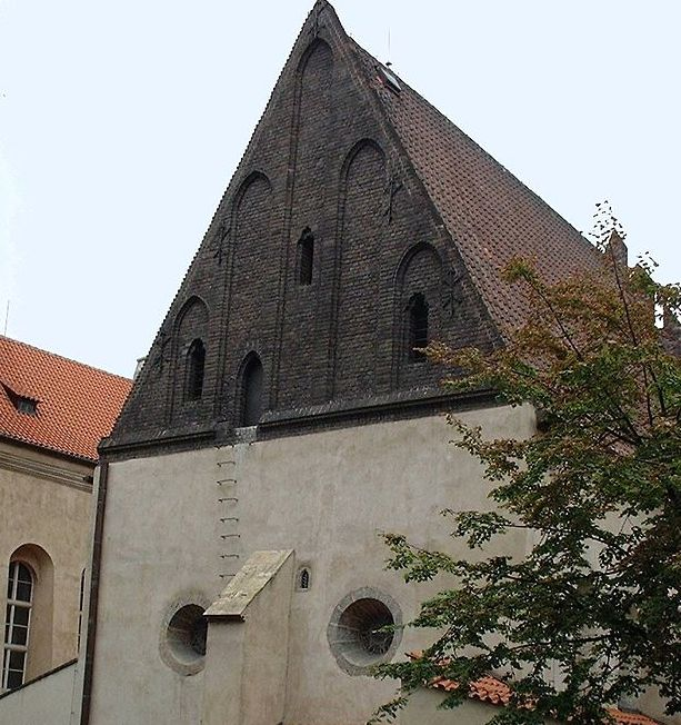 Golem's body is said to be lying in the attic of this synagogue in Prague.