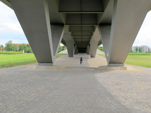 The underside of 'The Bridge of Controversy'.