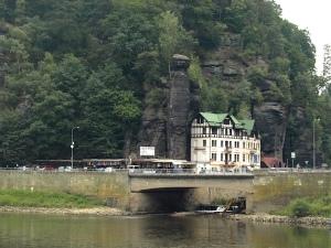 Hrensko: Czech German border on the side opposite the bike path.
