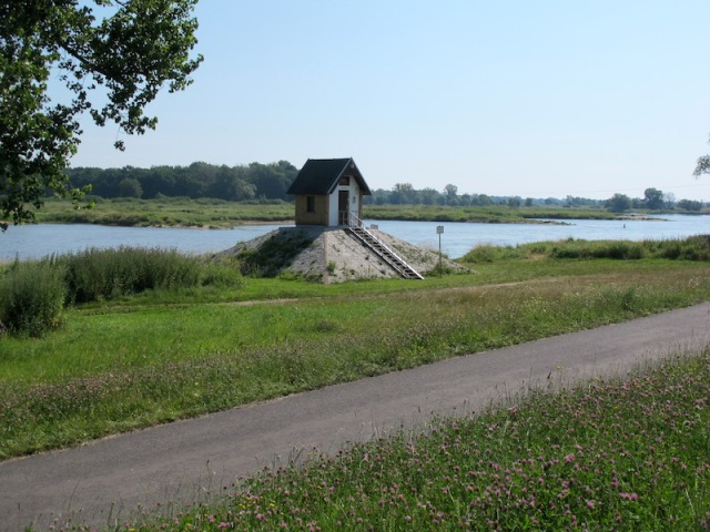Stream gauging station near the village of Ratzdorf.