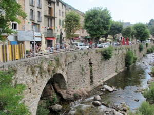The main street and the only route through the village of Le Pont de Montvert.