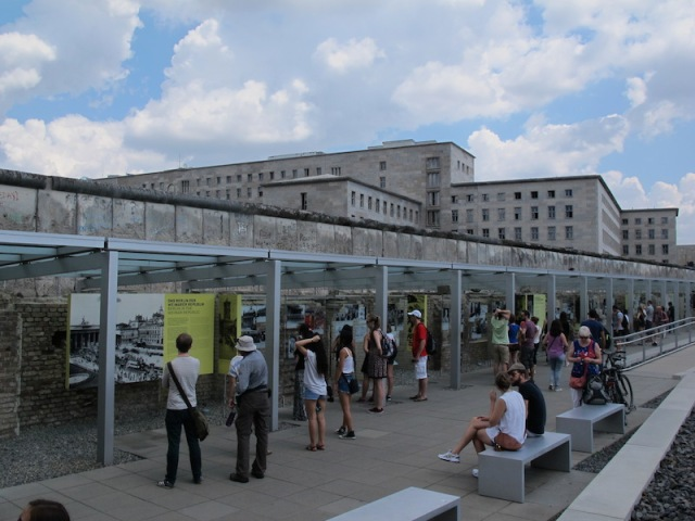 The Topography of Terror Foundation exhibition between the WW2 Gestapo HQ (right) and the Berlin Wall.