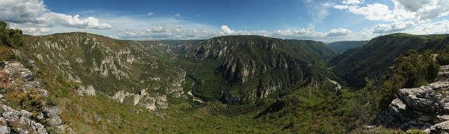 Tarn Gorge from Sublime Hill. Benh Lieu Song via Wikipedia