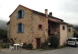 Holiday cottage in the village of Ouyres.