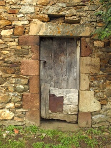 A century old shed door Ouyres.