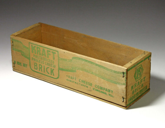 A vintage wooden Kraft cheese box. Image from ebay site.