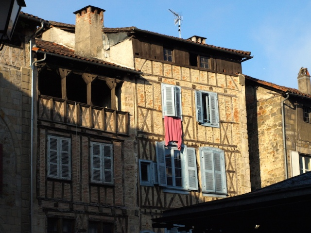 Half timbered houses in Figeac. Like in Albi, some had verandas on the top floor.