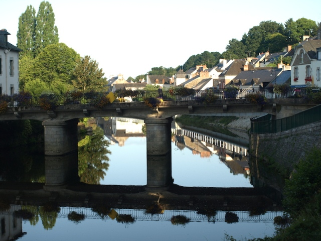 The Nantes to Brest canal, Josselin.