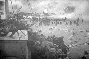 British troops retreating from Dunkirk  Image credit: From a film by Frank Capra (Public domain) via Wikipedia.