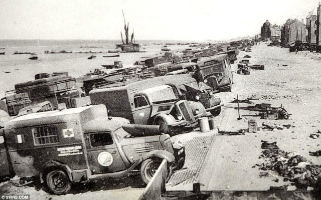 Abandoned vehicles along one of the beaches at Dunkirk. Image credit: South West News Service.Com via daily telegraph.co.uk