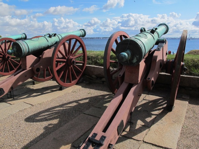 'Pay up or you go to the bottom', these cannons are saying.
