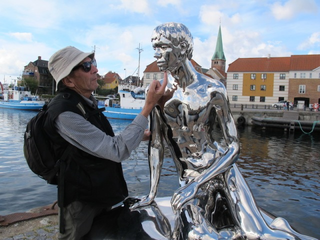 Making contact with Han, the male counterpart for Denmark's icon, the Little Mermaid.