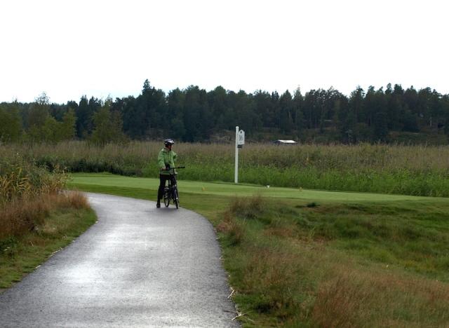 Lakeside bike path, a pleasure to ride.