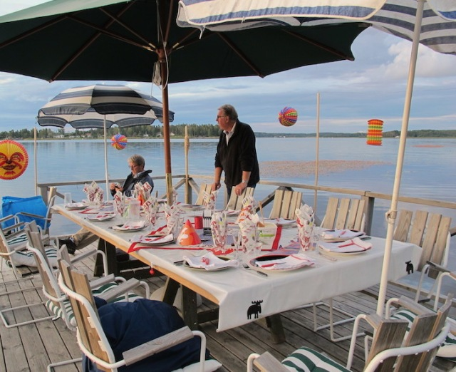Preparing for a jetty feast. Note the moose on the end of the tablecloths.