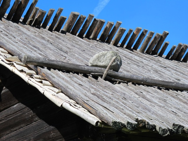 An alternative to thatch is birch bark slabs and logs.