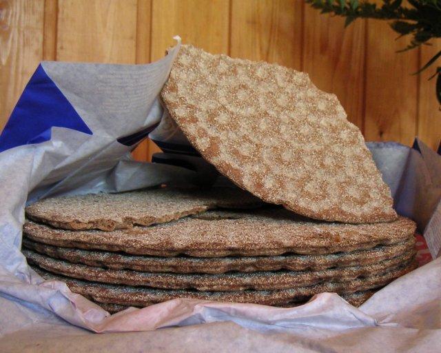 Crispbread wheels. Image released into public domain by Cymydog Naaka