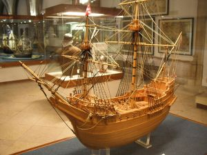 A model of the Madre de Deus carrack in the Lisbon Maritime Museum. Image in the public domain.