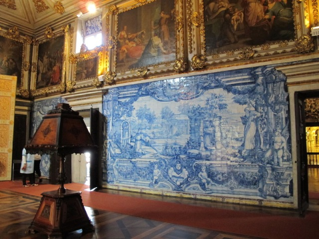 Tile painting dominating the wall in the Convent Madre de Deus church, now part of the Lisbon Tile Museum.