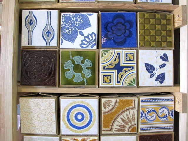 These designs may not necessarily be handpainted; the design could be applied using decals.