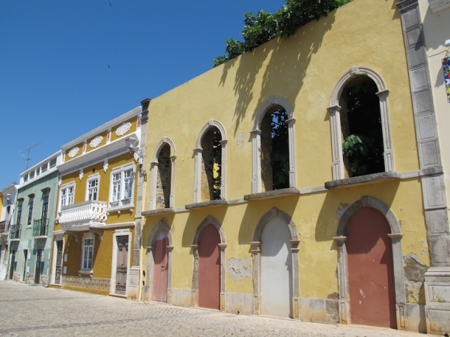 A colourful Tavira street.