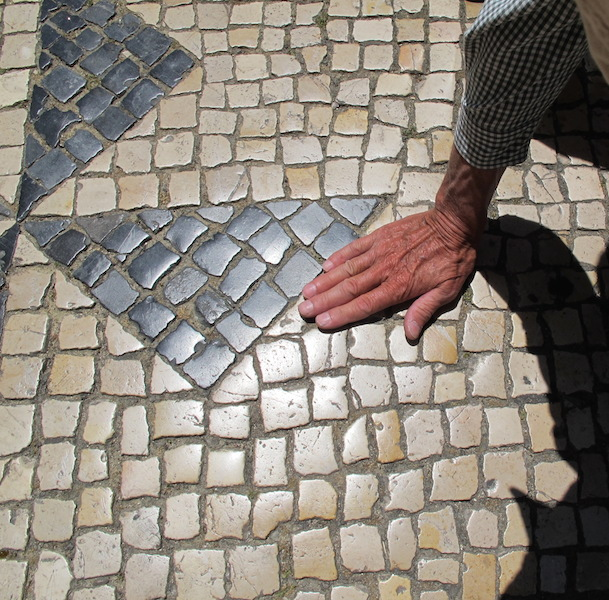 25 shiny footpath