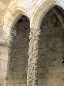 Very serious church column erosion, Santander.