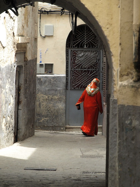 Women of Tangier love colour. Red is very popular. It represents hardiness, bravery, strength and valour.