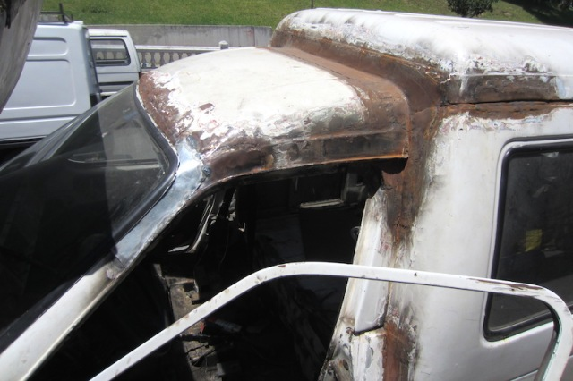 Rust cut out and ready for bogging. Look closely at the patch around the windscreen.