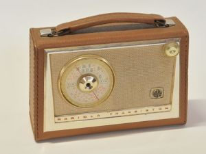 AWA Radiola transistor radio circa 1960. Image credit: Ipswich Antique Centre.