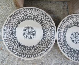 Intricate geometrical patterns.