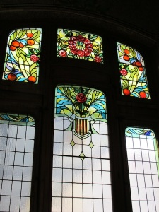 The main window of the station booking office. Note the Valencia oranges.