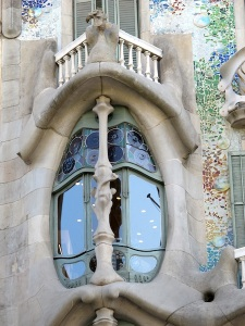 Imagine cutting the curved glass in these windows.