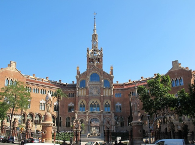 The hospital de La Santa Creu i Sant Pau. Architect Antoni Gaudi died here in 1926 after the trolley bus incident.