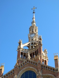 Needle spire supported by delicate flying buttresses on the Hospital de la Santa Creu i Sant Pau.